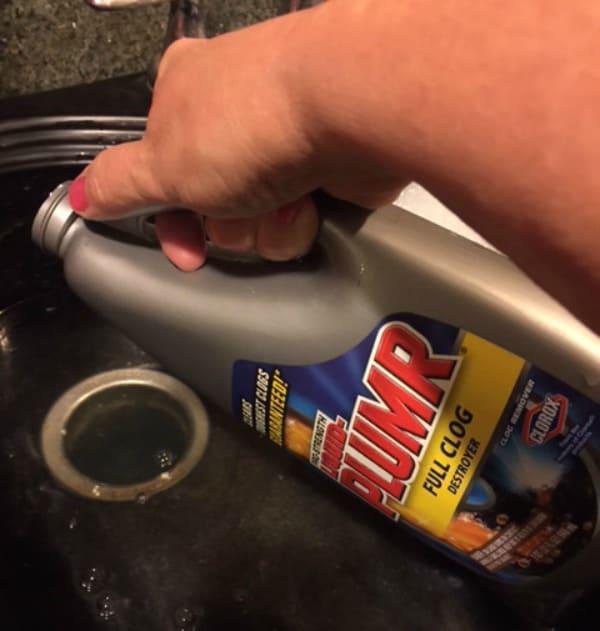 pouring liquid-plumr